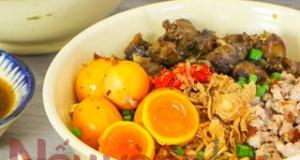 Mì trộn lòng gà trứng non full topping đánh tan cơn đói với cách làm vô cùng nhanh gọn