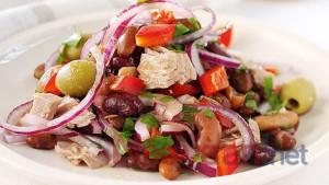 Đầy đủ dinh dưỡng với món salad đậu đỏ cá ngừ hấp dẫn vô cùng dễ làm.