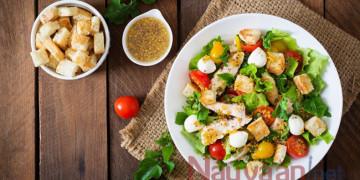 Cách làm Salad rau quả bánh mì giòn ngon, tiện lợi